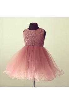 Rochie de fetita realizata din broderie roz prafuit si tulle cu tiv ondulat