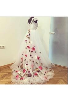 Rochie de mireasa cu aplicatii florale