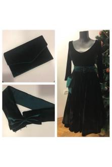 Rochie midi din catifea neagra