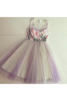 Rochie realizata din broderie 3D si tulle in tornuri de lila, ivory si verde crud