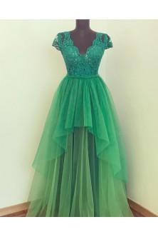 Rochie in tonuri de verde greenary, smarald si malachit