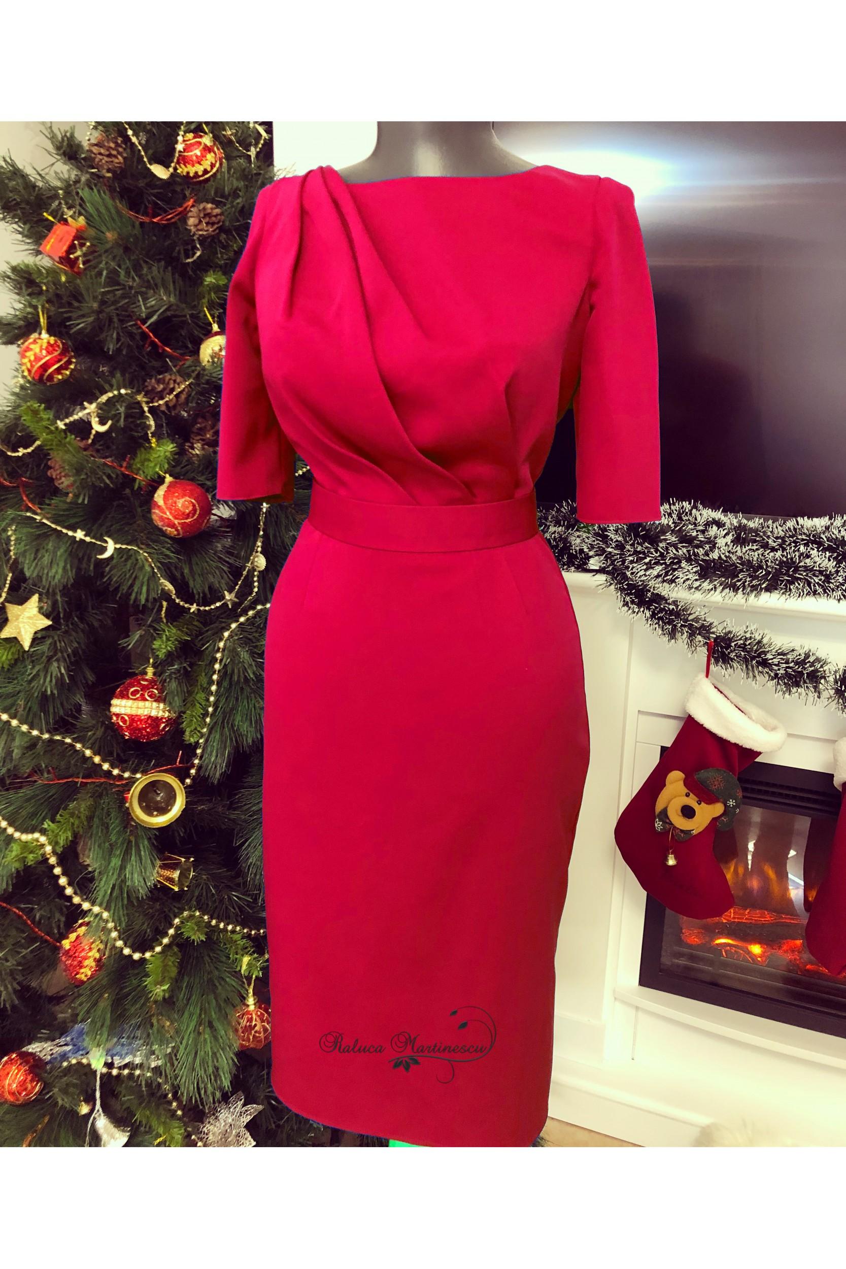 Rochie din stofa royal red, cu drapaje