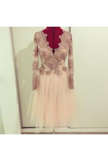 Rochie din broderie roz prafuit cu pietre si perle, tulle fin si captuseala rose quartz