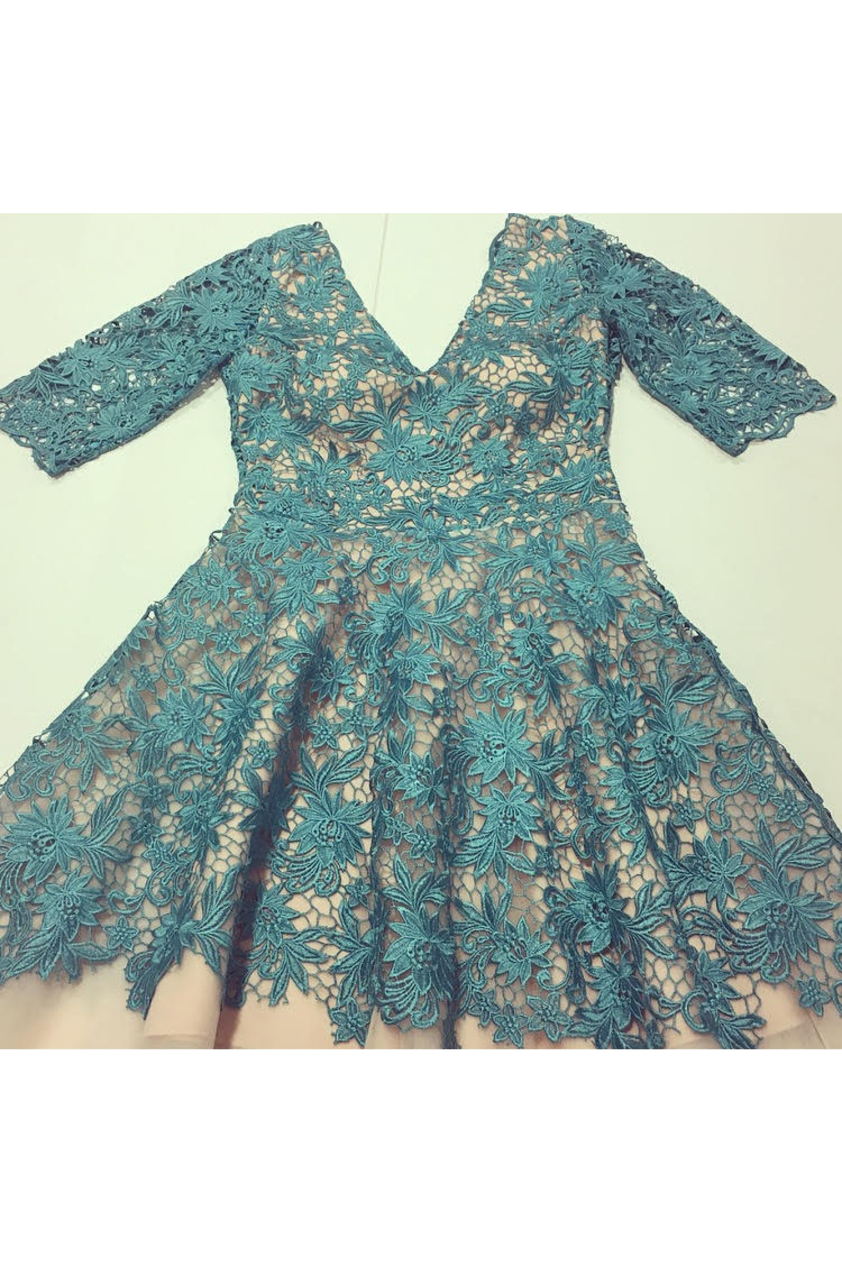 Rochie din broderie turquoise