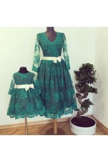 Set mama-fiica integral din broderie verde smarald