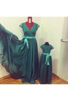 Set mama-fiica din voal si broderie verde smarald