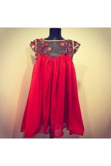 Rochie cu tiv ondulat din voal si broderie 3D rosie